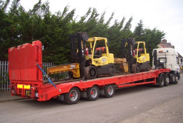 Trans UK Haulage crane hire and low lowder hire specialists (1)